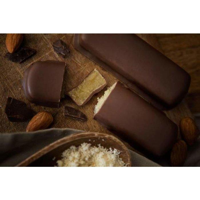 - Marzipanbrot mit Vollmilchschokolade