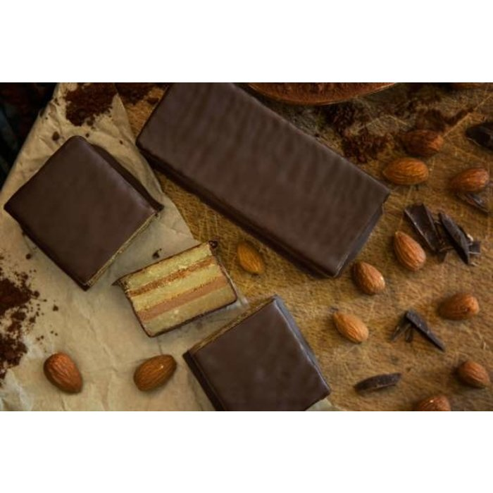 - Marzipan-Nougat-Block mit Zartbitterschokolade