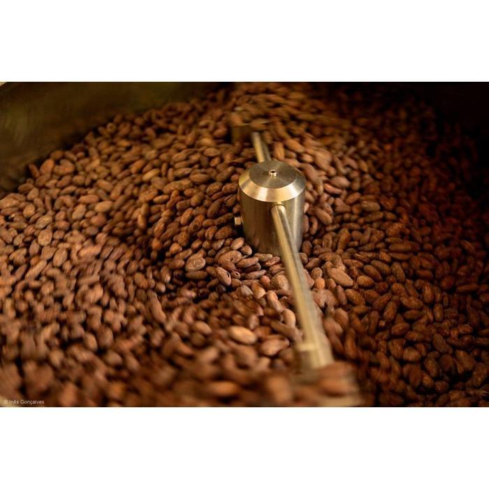 - CHOCOLATE SOFT 73 1/2 % COM NIBS DE CACAU | Schokolade 73,5% mit Splittern von Kakaobohnen,50g