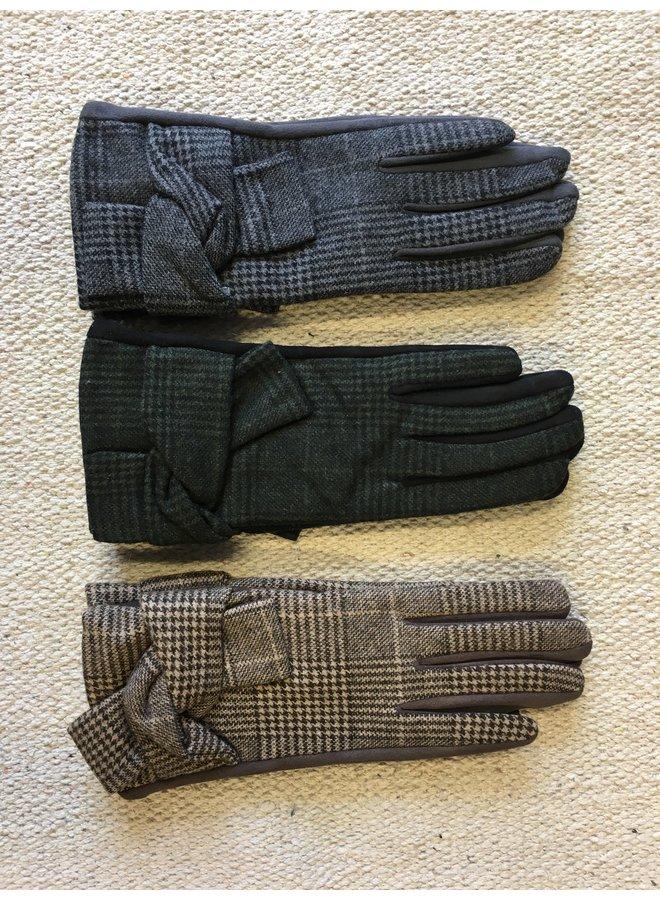 Check Gloves