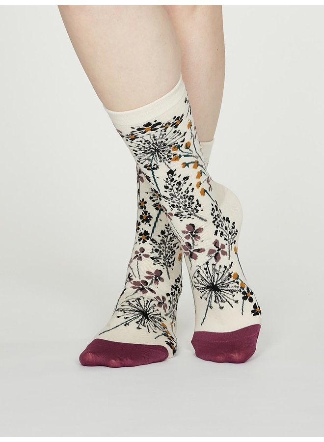 Thought Amice Socks