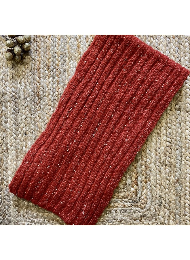 Knitted Scarf with Gold Thread