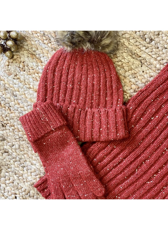 Knitted Glove w/Gold Thread