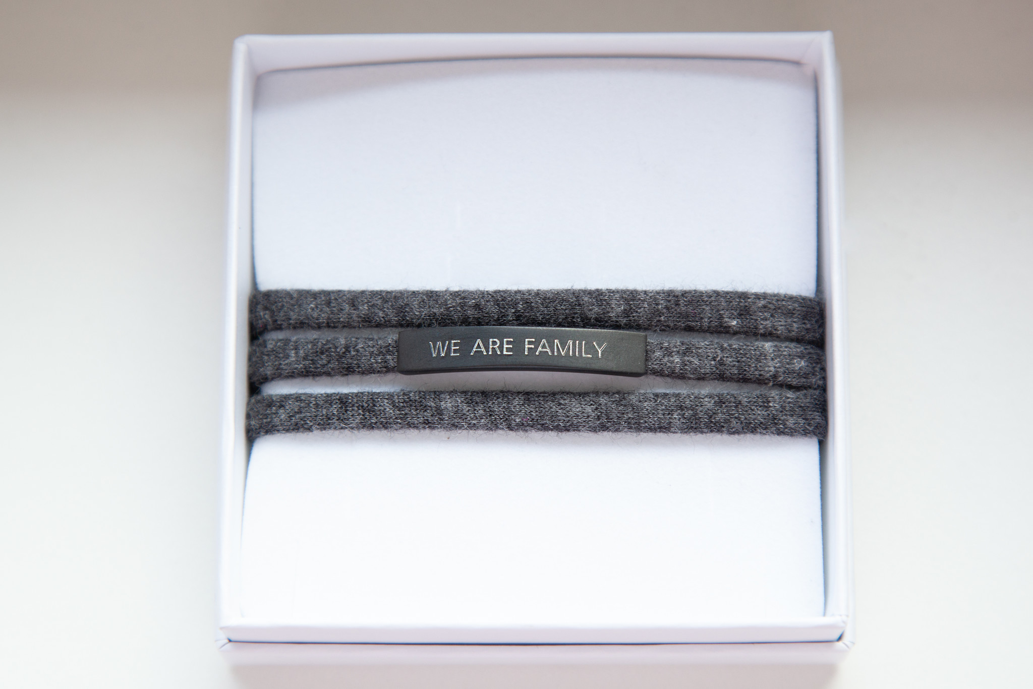 """WE ARE FAMILY"" schwarz matt / N*dividual"