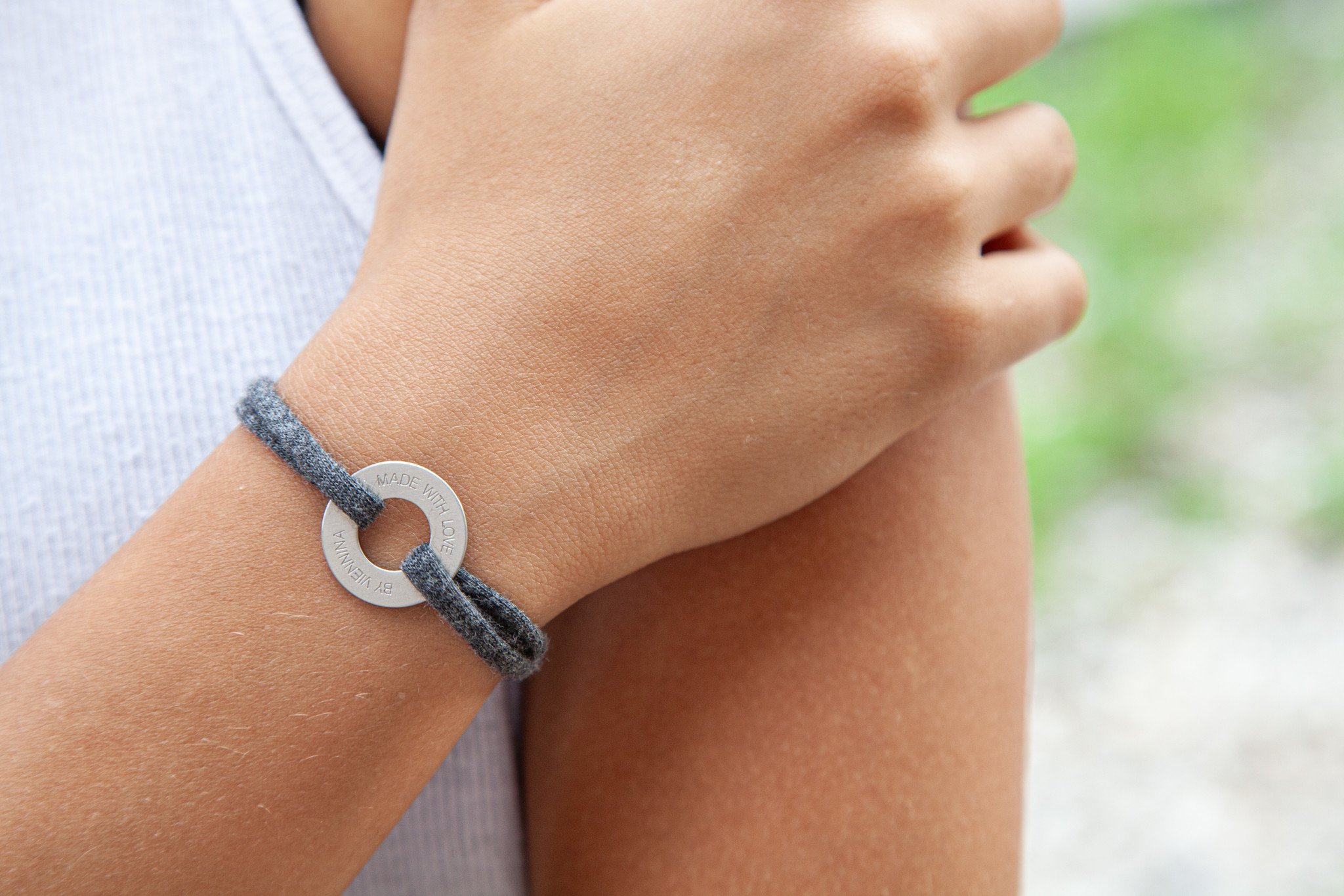 "ARMBAND/ groß silber matt/ ""MADE WITH LOVE BY VIENNINA"" / N*FINITY"