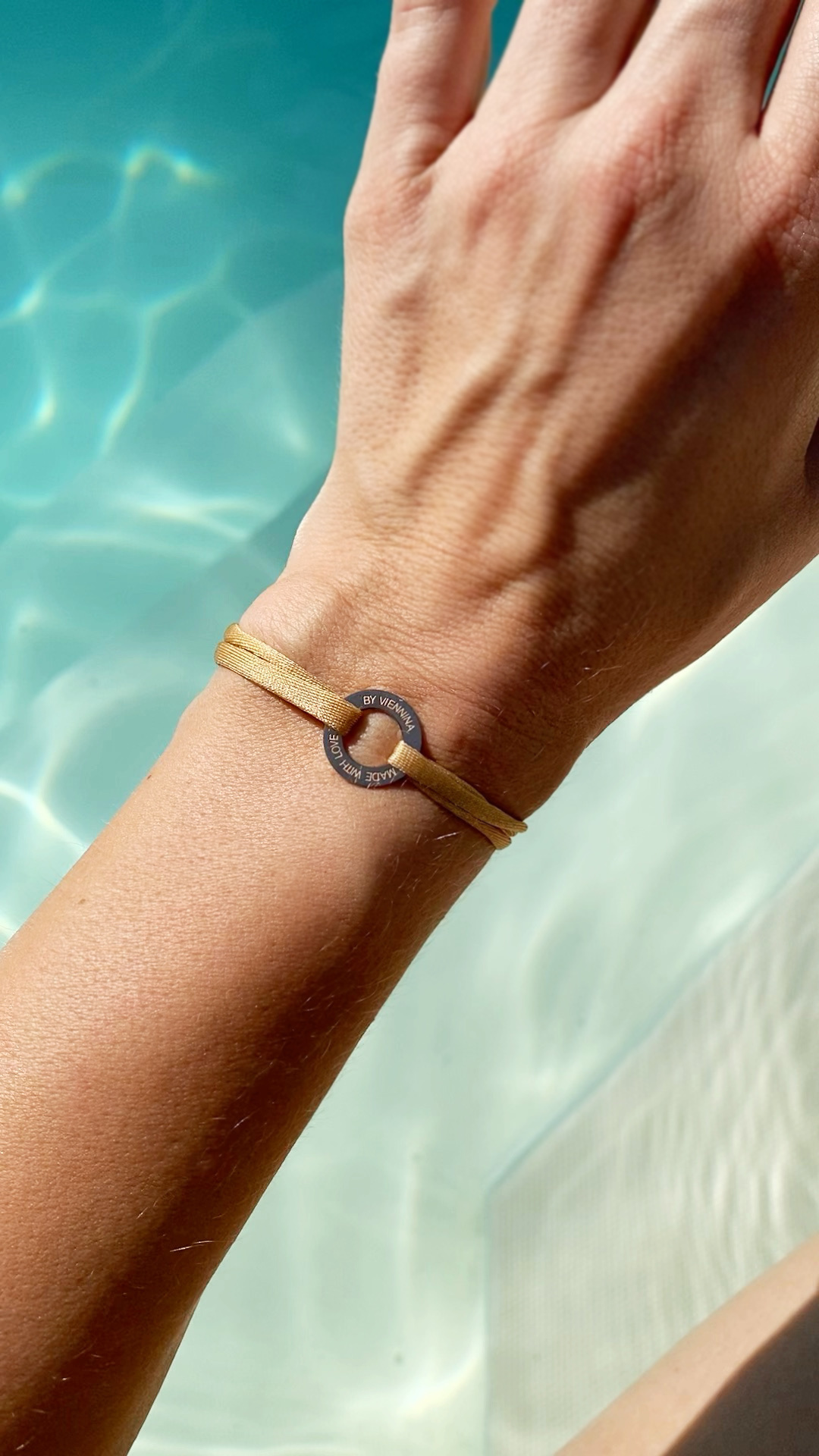 """ARMBAND/ klein rosegold glossy/ """"MADE WITH LOVE BY VIENNINA""""/ N*FINITY"""
