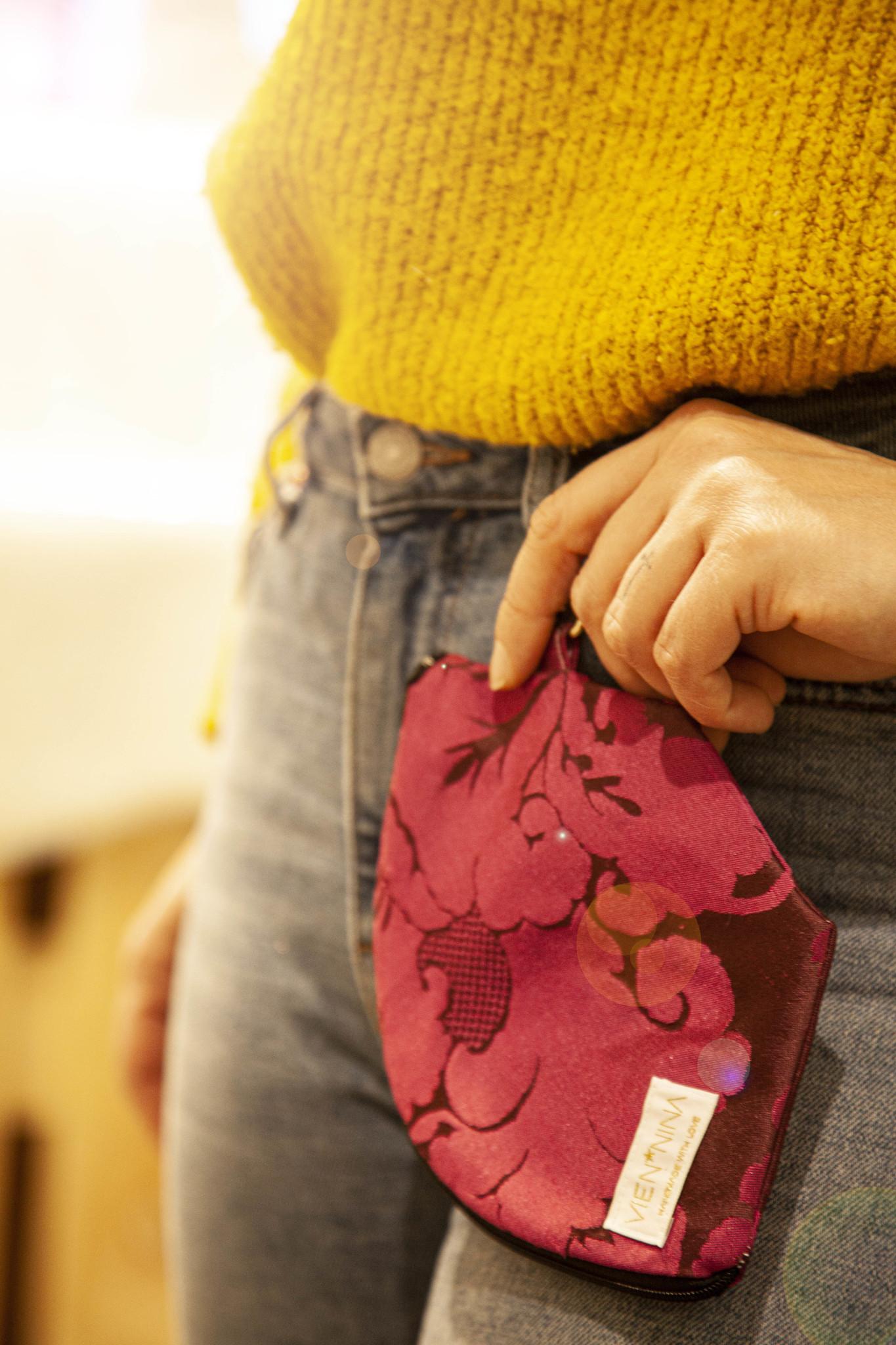 """Handmade Bag for masks handgemachte MASKENTASCHE """"JACQUARD BERRY"""""""