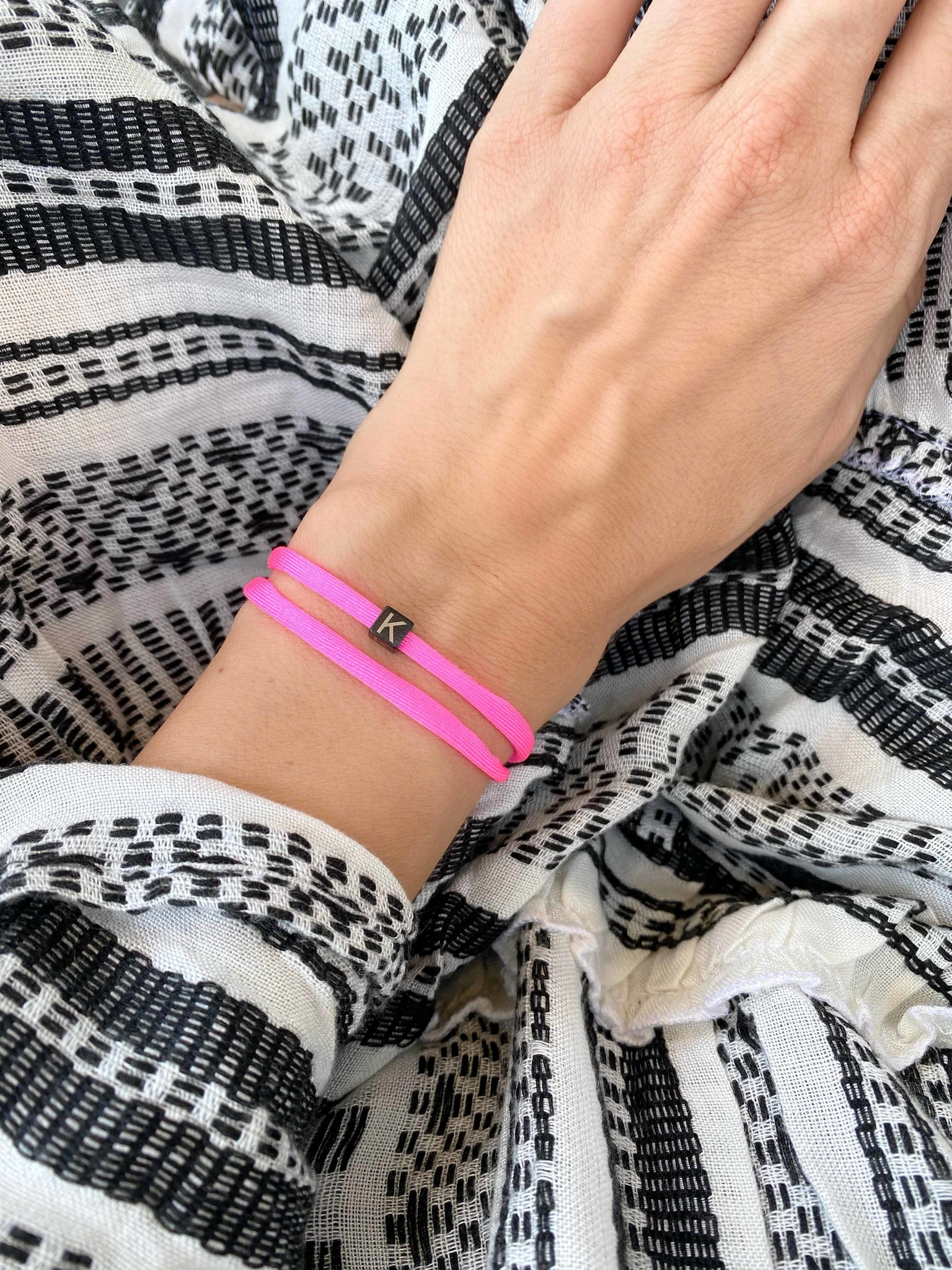 "N*ITIAL  Armband oder Halskette ""K"" schwarz"