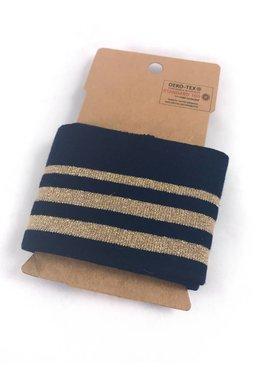 Marine met gouden strepen