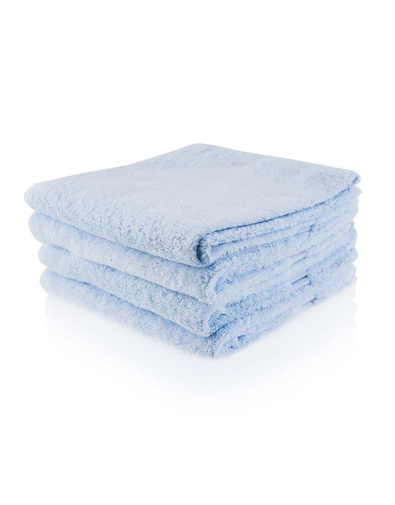 Geborduurde badhanddoek met naam - ijsblauw