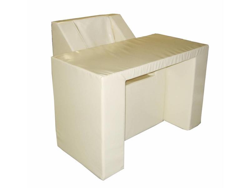 Atelier Michel Koene Zacht beklede tafel recht model, Bisonyl   90 x 90 x 80cm, blad 5cm
