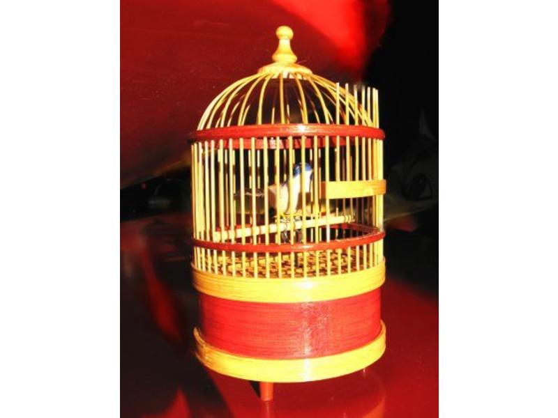 Zingende vogel in kooi   Ø10 x 17,5cm