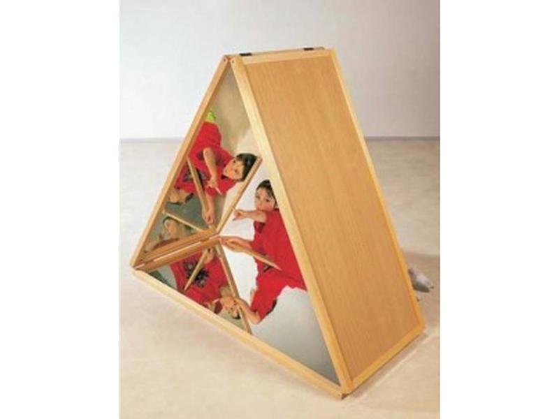 Spiegelpiramide- beuken rood   hoogte 116cm