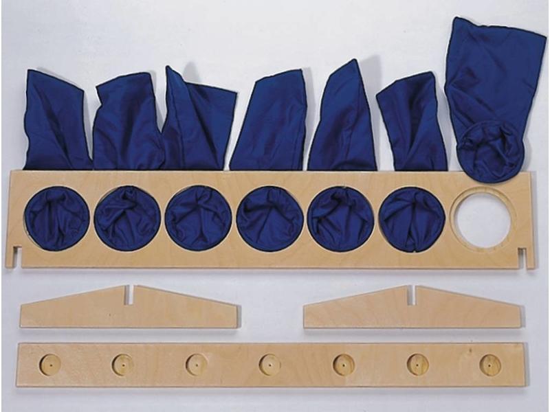 Kogelkist- incl 14 ballen en voelzakjes   36 x 11,5 x 6cm