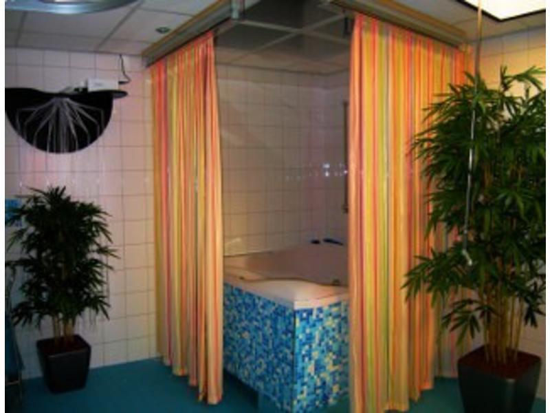 Atelier Michel Koene Fluowaterval met afgeschermde waterdichte armatuur   100 x 200cm l