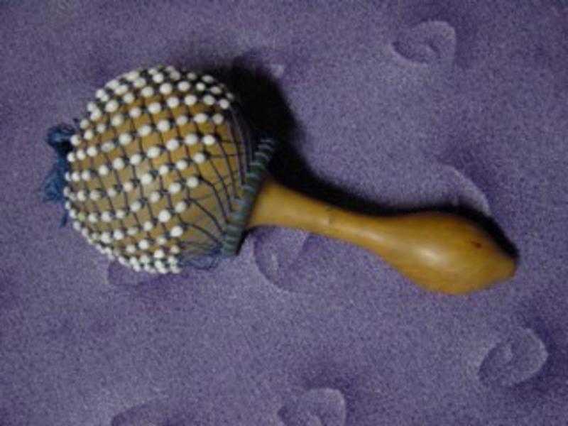 Shaker met kralennet   18-22 cm