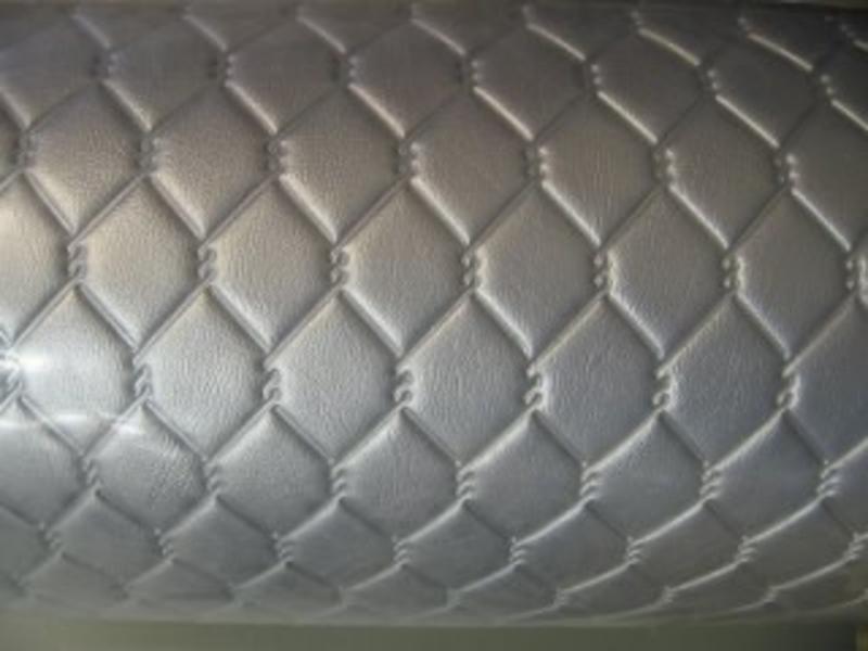 Vinyl met ruiten zilver draadvorm gelast   140cm breed