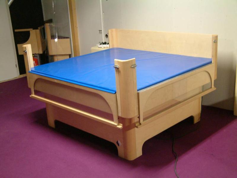 Atelier Michel Koene Bed Reager   (maatwerk)
