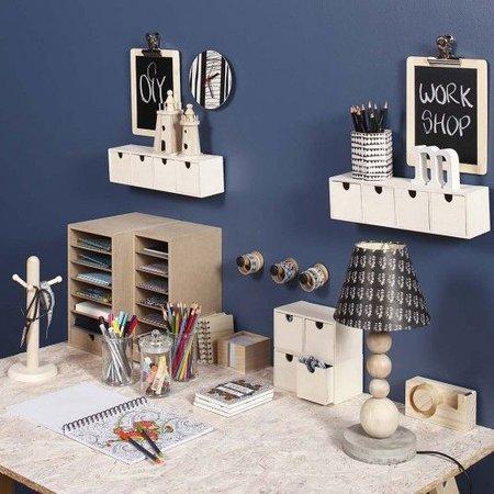 Objekten zum Dekorieren / objects for decorating recipiente resistente con compartimentos 6 y 1 cajón
