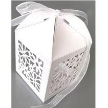 10 Geschenkschachtel, mit filigranes Blumen Motiv