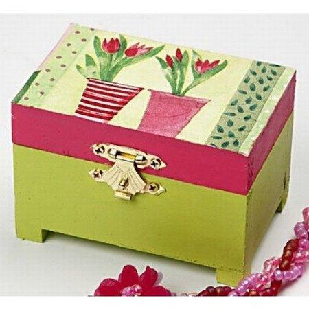 Objekten zum Dekorieren / objects for decorating 1 pecho de madera con bisagras