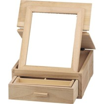 Jewelery box, made of wood for decoration.
