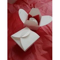 Troquelado y estampado en relieve plantilla: cajas de regalo, cajas