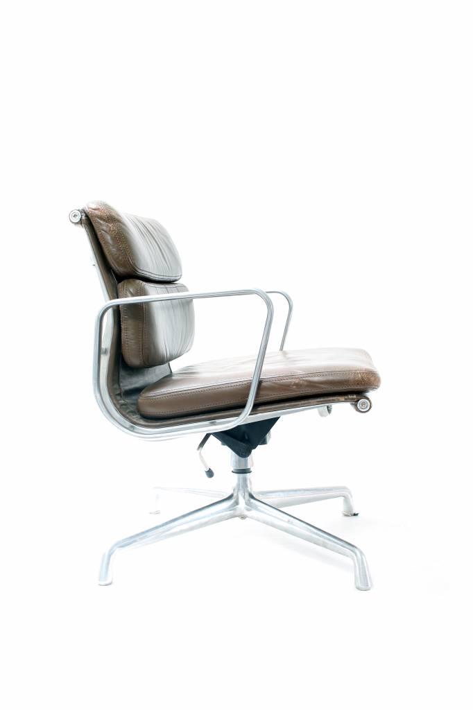 Charles Eames Bureaustoel.Vintage Charles Eames Bureaustoel Wauwshop Kortrijk