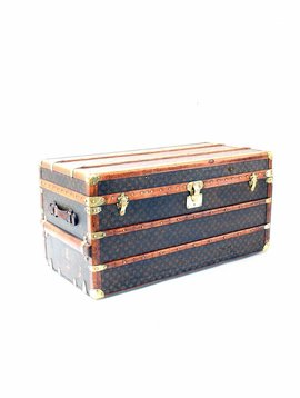 Louis Vuitton travel suitcase 1920