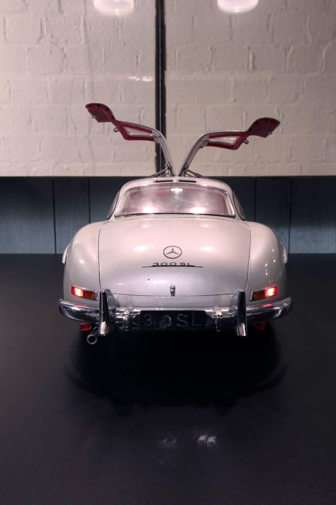 Mercedes 300SL  scale 1:8