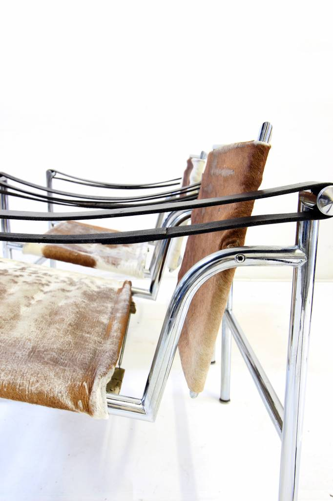 Vintage chairs Le Corbusier LC1