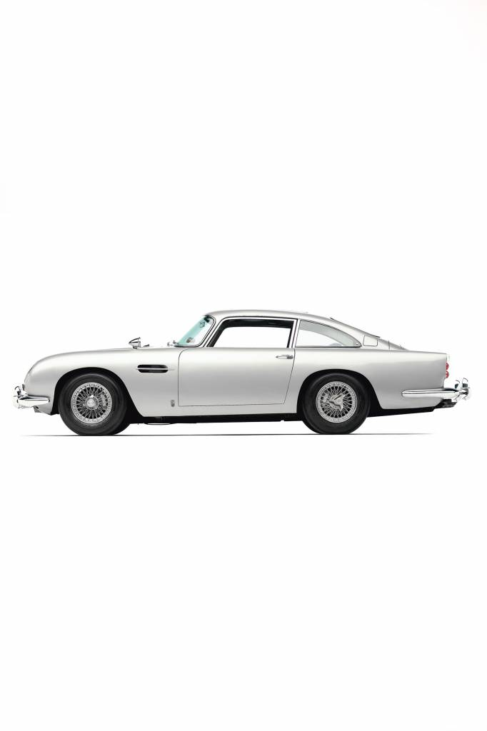 Aston Martin DB5  scale 1:8 James Bond