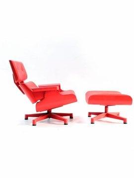 Eames Lounge chair garden version