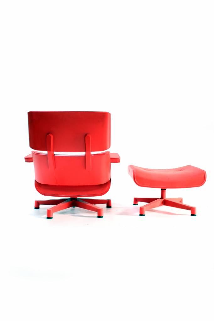Charles Eames Lounge chair tuin versie