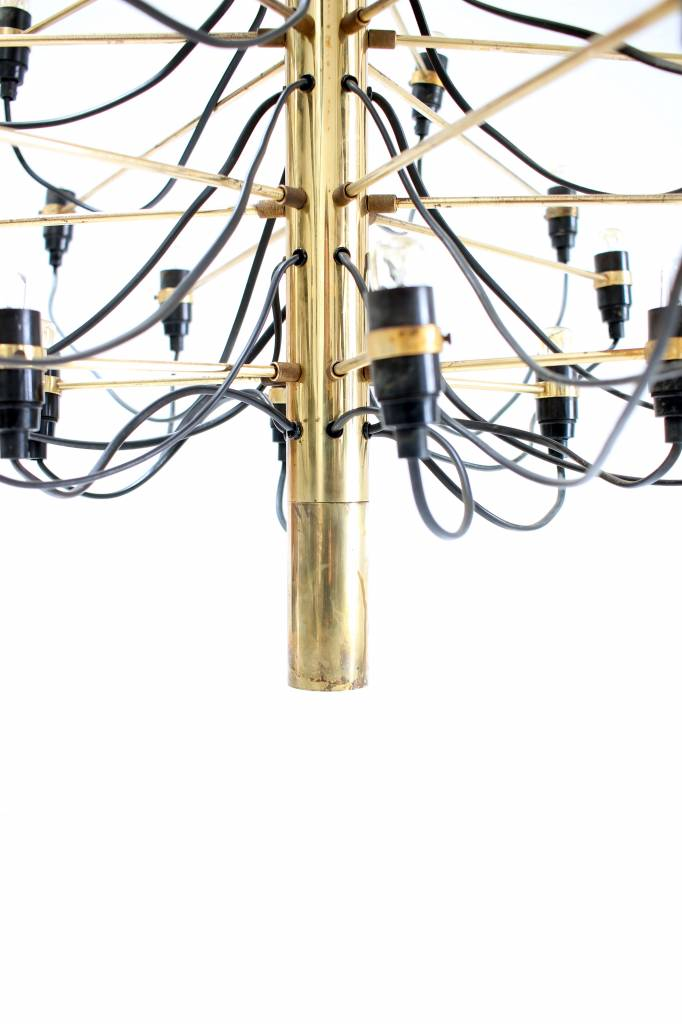 Gino Sarfatti chandelier in messing eerste productie