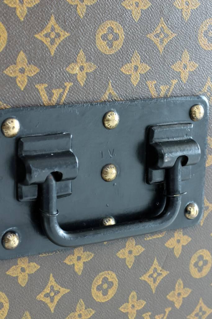 Louis Vuitton trunk painted monogram XXL
