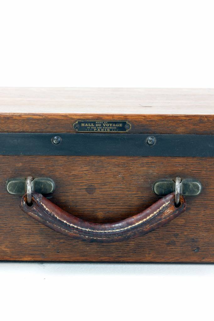 Antique picnic trunk in solid wood.