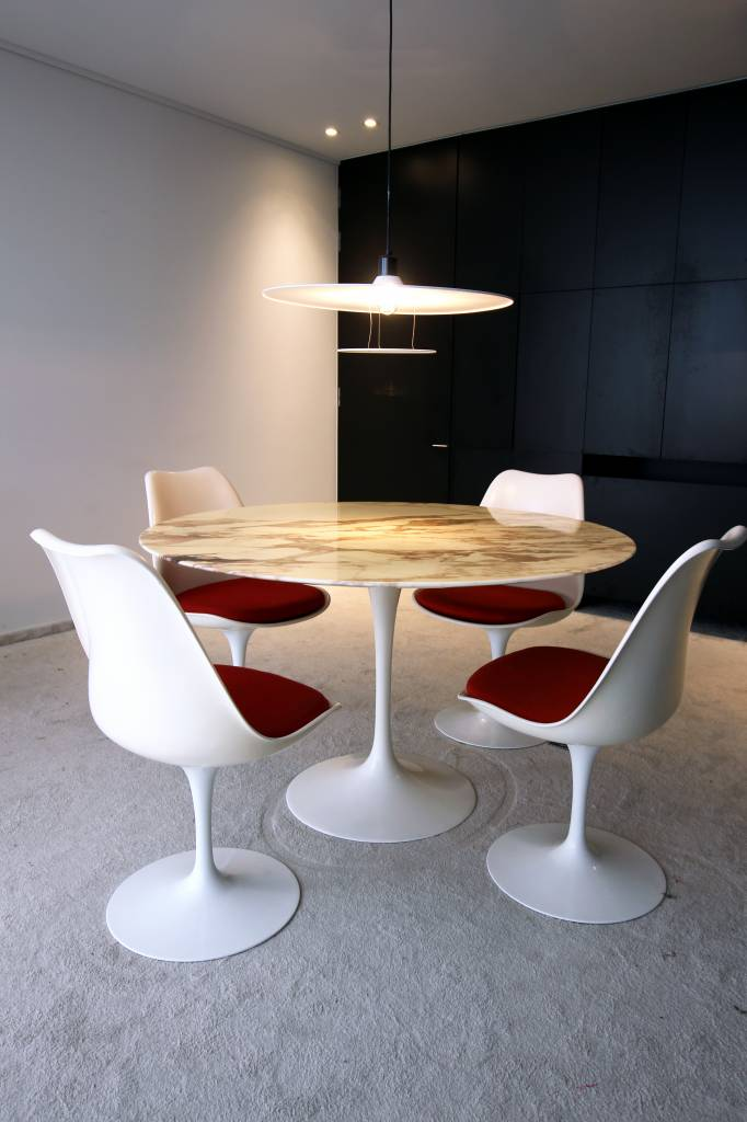 Originele vintage Knoll tafel met tulip stoelen knoll