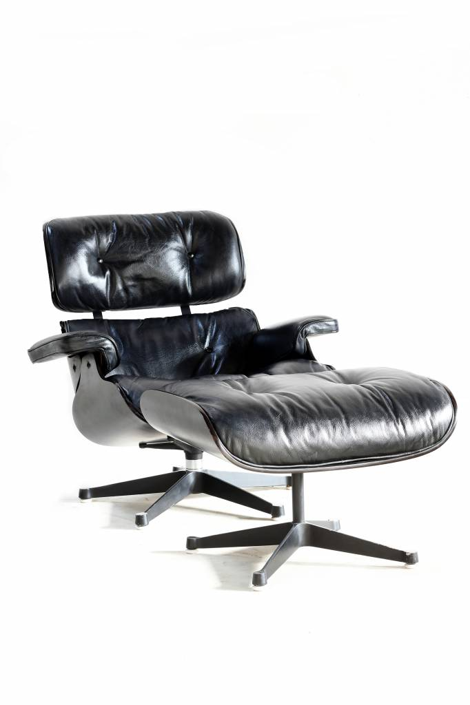 Charles Eames Lounge Stoel.Vintage Charles Eames Lounge Chair For Mobilier International
