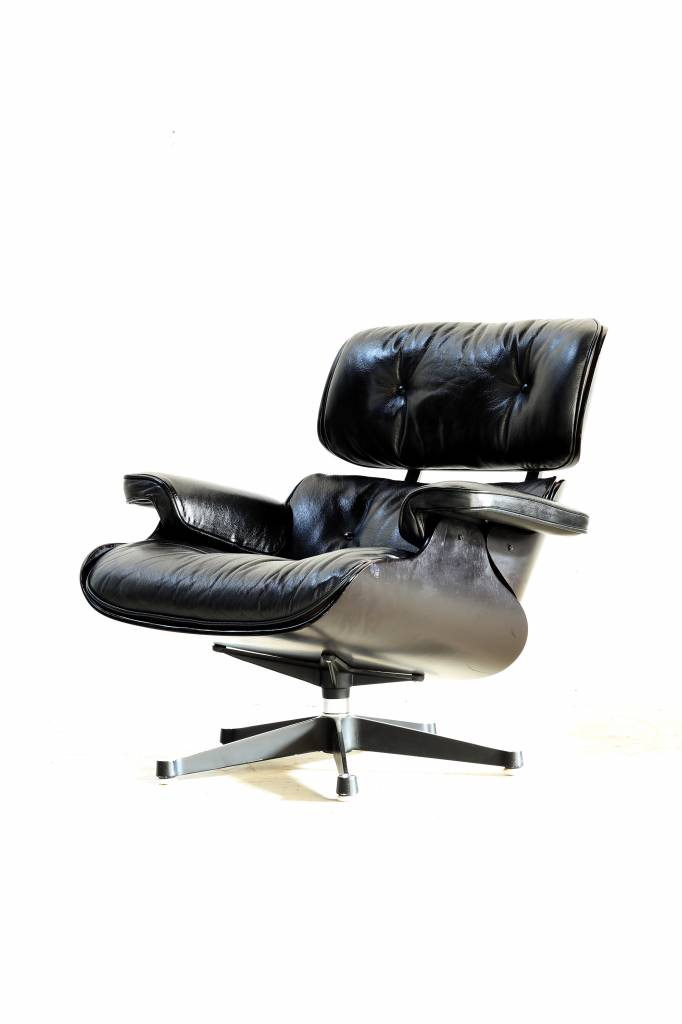 Vintage Charles Eames Lounge chair for Mobilier International
