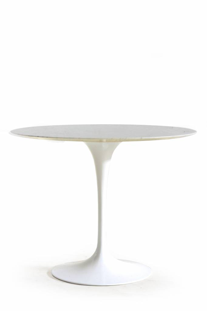 Knoll tulip table