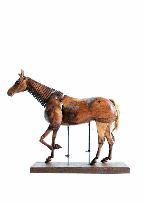 horses lay figure