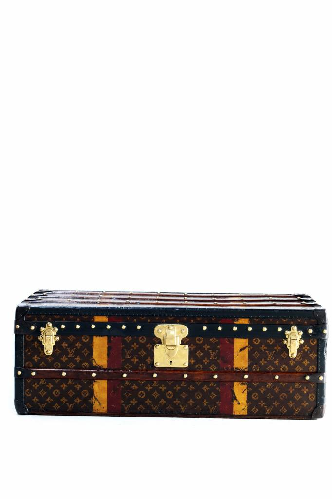 Low old Louis Vuitton suitcase monogram 1920