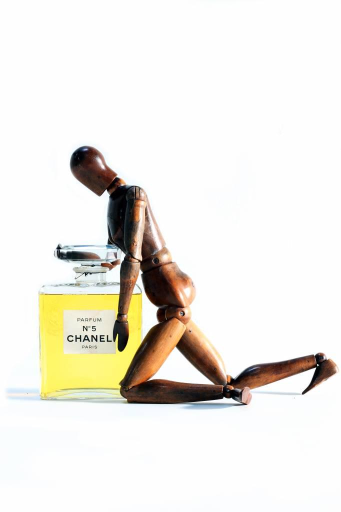 XXL CHANEL N°5 FACTICE DUMMY