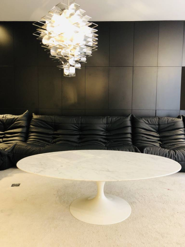 Originele vintage Knoll ovalen salontafel marmer