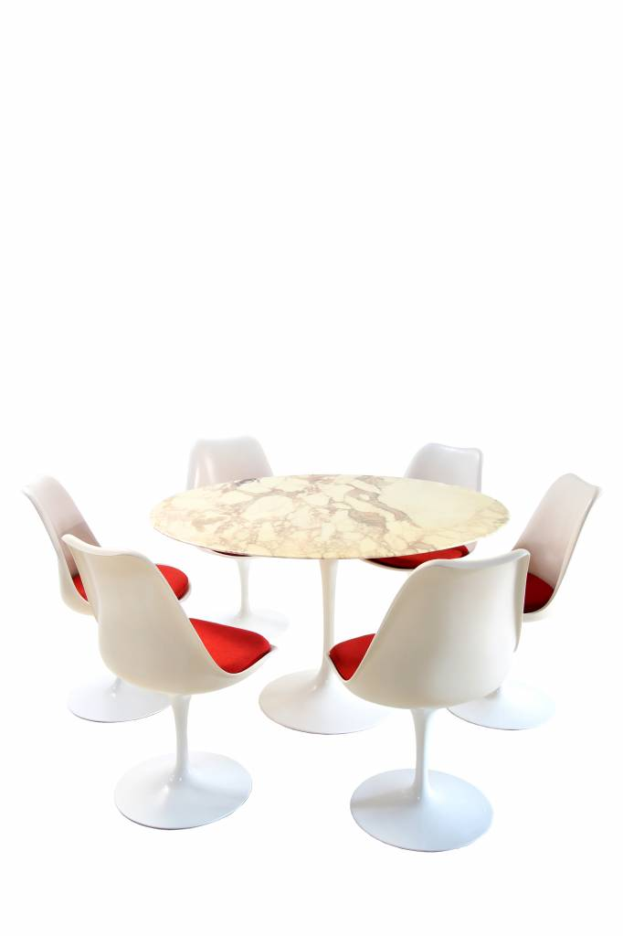 Original vintage Knoll table with tulip chairs knoll