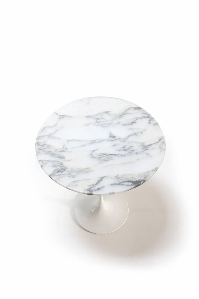 Knoll Tulip side table by Eero Saarinen