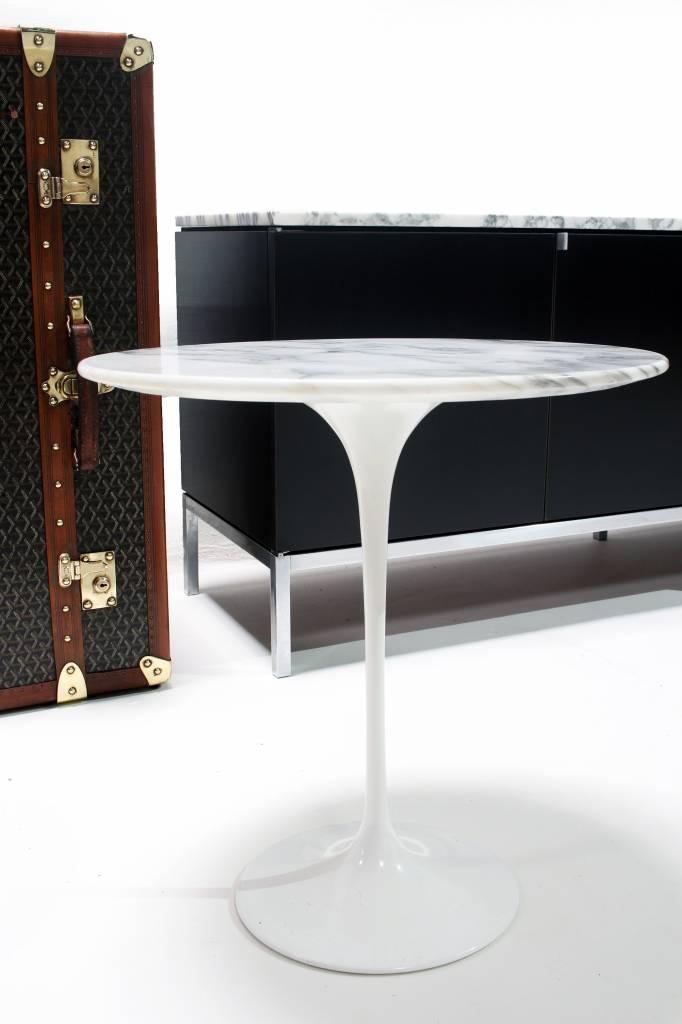 Knoll Tulip bijzet tafel ontwerp Eero Saarinen