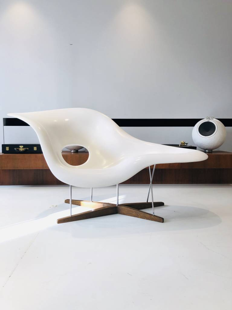La Chaise door Charles & Ray Eames voor Vitra