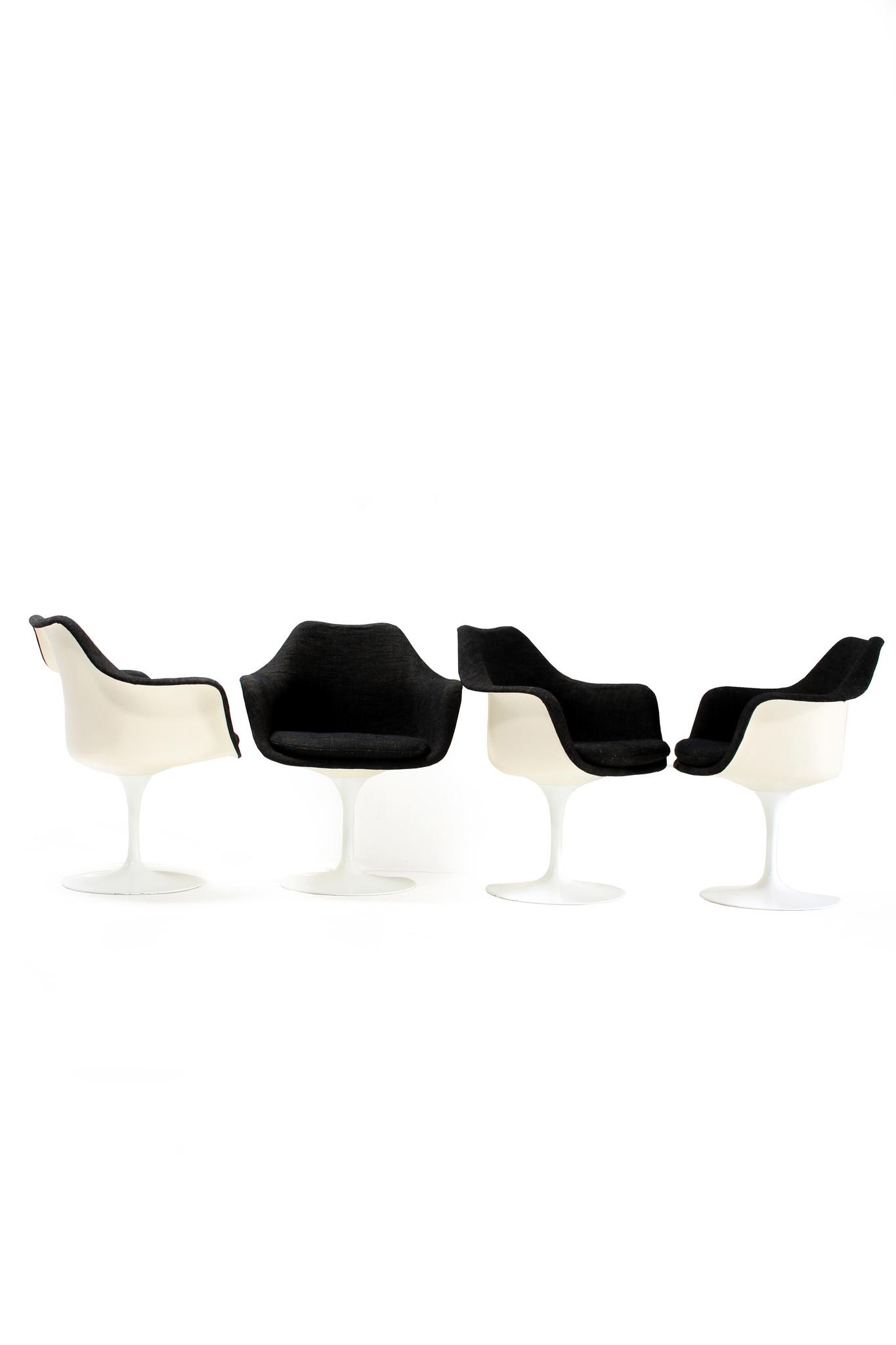 Set of 4 Tulip chairs by Eero Saarinen for Knoll International